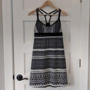 Athleta black white ikat patterned athletic dress